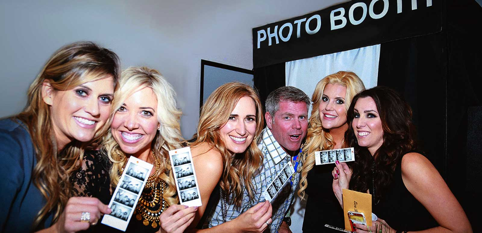 Pick the Right Company for Photo Booth Hire